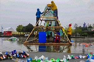 The Wave of Waste sculpture.